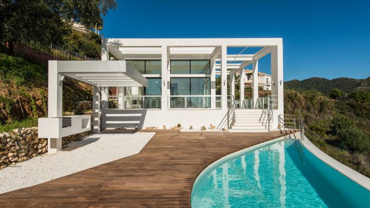 Benahavis, Moderna villa en venta en Monte Mayor Country Club, Benahavis