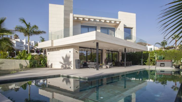 Nueva Andalucia, Modern Contemporary Villa in a gated Community Marbella