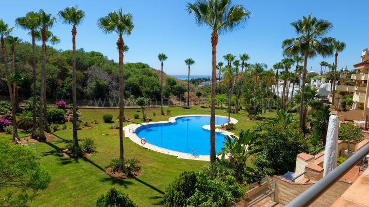 Marbella Golden Mile, Spacious Two Bedroom Apartment in Marbella Golden Mile
