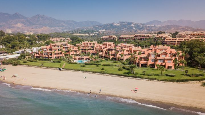 Marbella East, La Morera Playa Spacious Ground Floor Apartment Beach Front Marbella