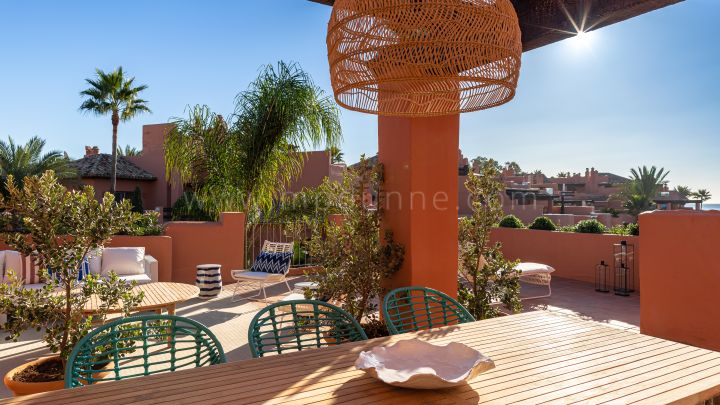 Marbella East, La Morera Playa First Floor Apartment Beach Front Marbella