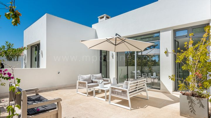 Contemporary detached villa on the beachside, San Pedro