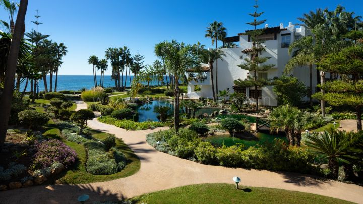 Marbella Golden Mile, Puente Romano Beach Resort Luxury Apartment for Sale