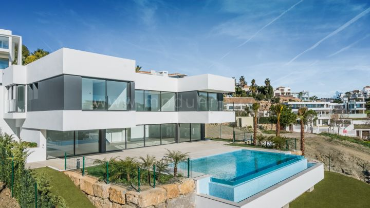Benahavis, New modern detached villa in La Alqueria, Benahavis