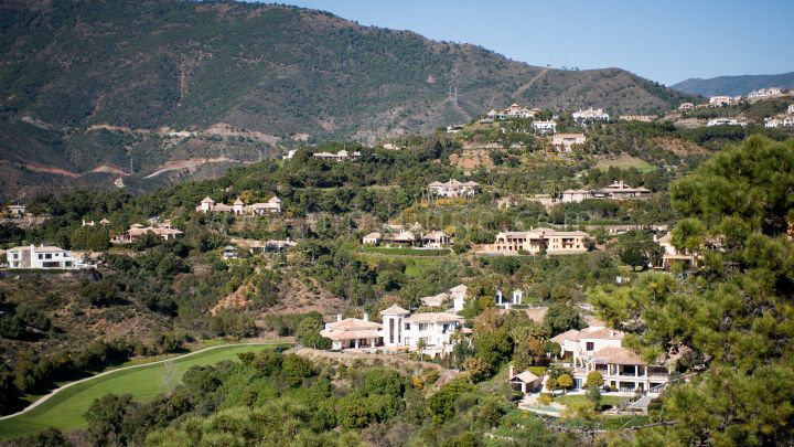 Benahavis, Rustic Style Villa for Sale in La Zagaleta Golf and Country Club