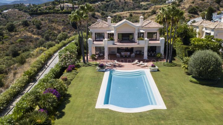 Marbella Golden Mile, Classic Andalusian Style Villa with Panoramic Sea Views