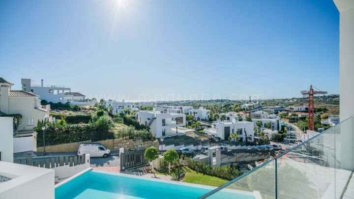Nueva Andalucia, Modern detached villa in the heart of Nueva Andalucía, Marbella.