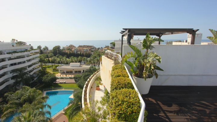 Marbella - Puerto Banus, Four bedroom Luxury Duplex Penthouse in Puerto Banus
