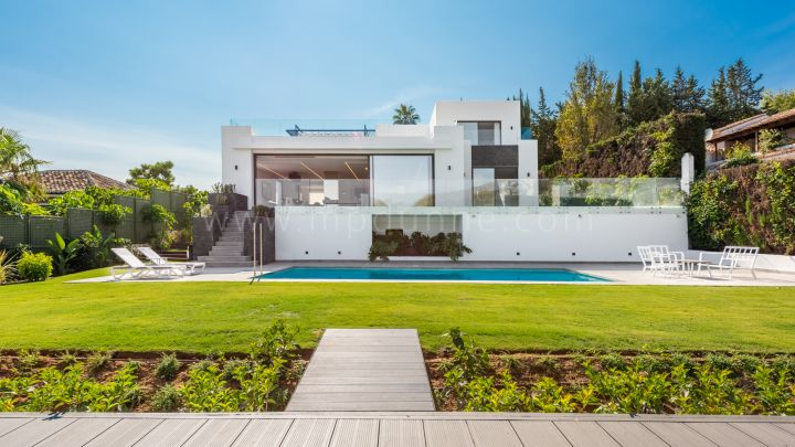 Marbella Golden Mile, Refurbished Modern Villa in Sierra Blanca Marbella