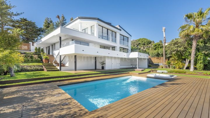Marbella East, Beachside Villa with Panoramic Views