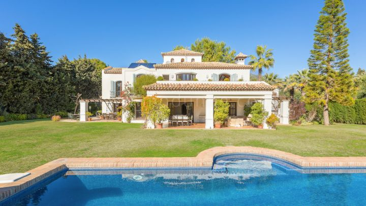 Marbella Golden Mile, Stunning family villa in El Vicario
