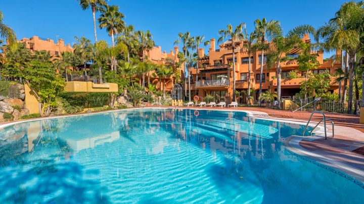 Nueva Andalucia, Luxury apartments for sale in La Alzambra Hill Club, Marbella