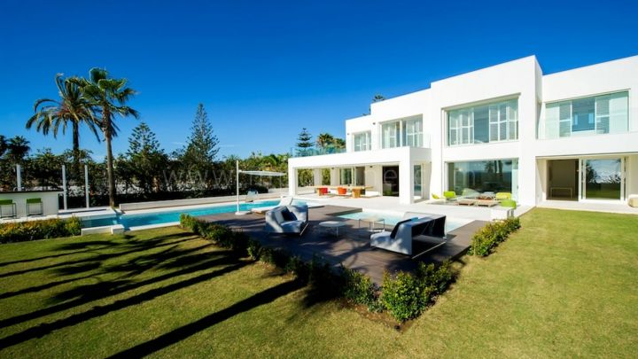 Marbella Golden Mile, Contemporary Front Line Beach Villa for Sale at Puerto Banus