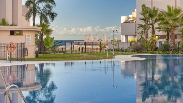 Estepona, Bahía de la Plata, New Golden Mile, Ground Floor Apartment for sale in great location on the New Golden Mile