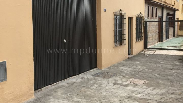Marbella City, Large Commercial Premises For Sale in Marbella