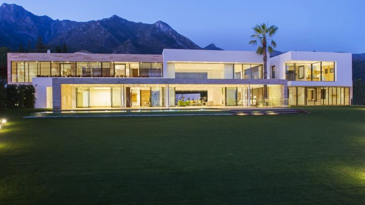 Marbella Golden Mile, Unique New Built Contemporary villa in Sierra Blanca with panoramic Sea Views.