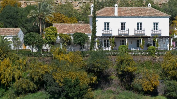 Benahavis, Beautiful Southern Spanish home for sale in Puerto de los Almendros, Benahavis