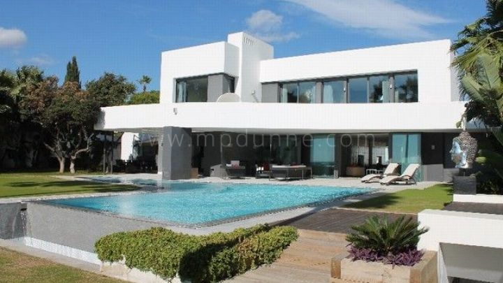 Marbella East, Modern Front Line Beach Villa For Sale in Los Monteros Playa, Marbella East