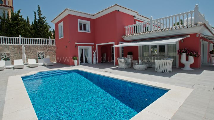 Mijas Costa, 4 bedroom villa for sale in Torrenueva