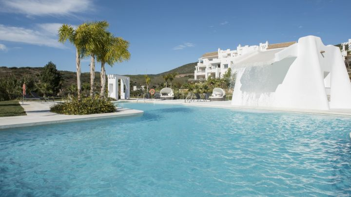 Casares, New development of two and three bedroom apartments in Casares.