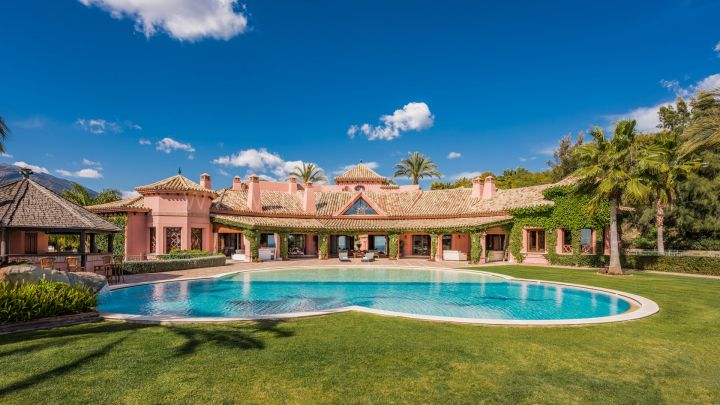 Benahavis, Elegante Villa in Vega del Colorado