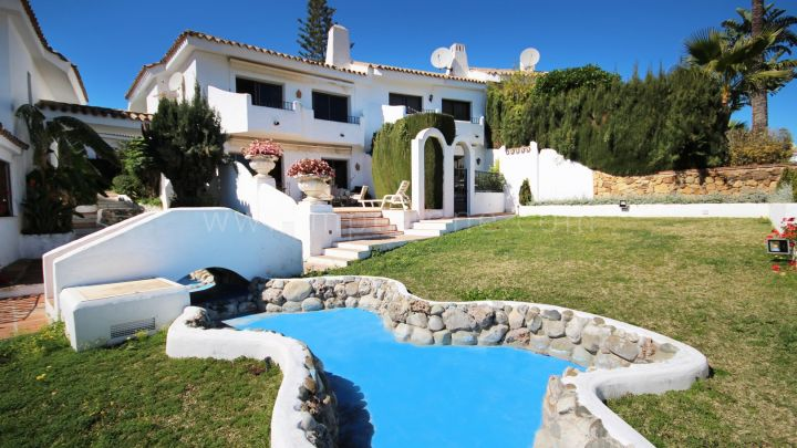 Marbella Golden Mile, Townhouse in the gated community of Ancon Sierra