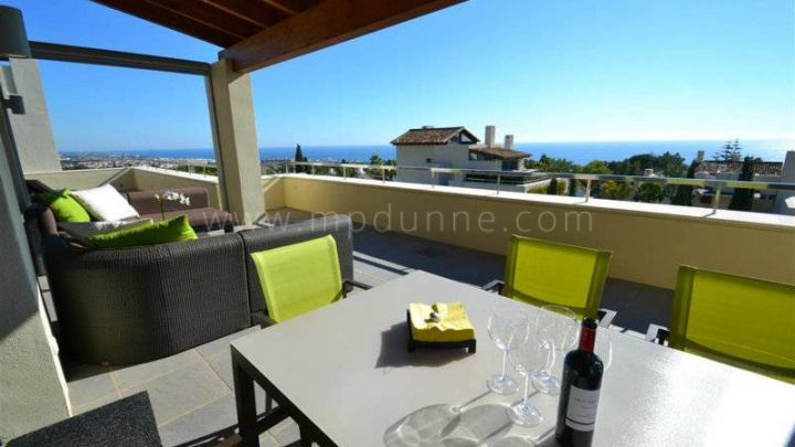 Marbella Golden Mile, 3 bedroom Penthouse with panoramic views in Imara, Sierra Blanca