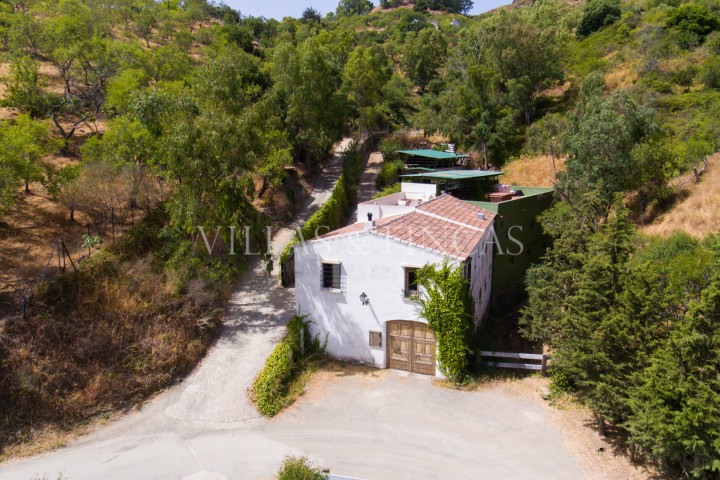 Gaucin, Lovely country house with large workshop