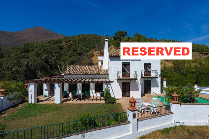 Casares, Country villa with separate guest cottage