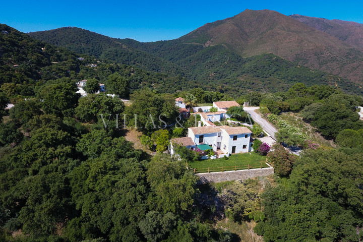 Casares, Country house with spectacular sea views