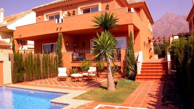 Altos de Puente Romano, Semi detached villa for rent in gated community