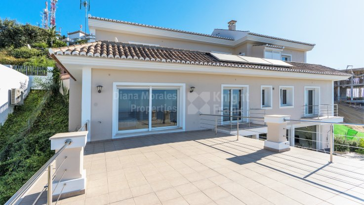 Villa with sea views in Altos de Los Monteros - Villa for sale in Los Altos de los Monteros, Marbella East