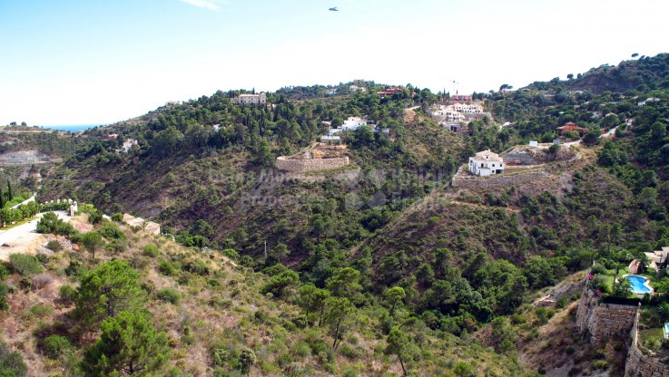 Large plot with great views - Plot for sale in El Madroñal, Benahavis