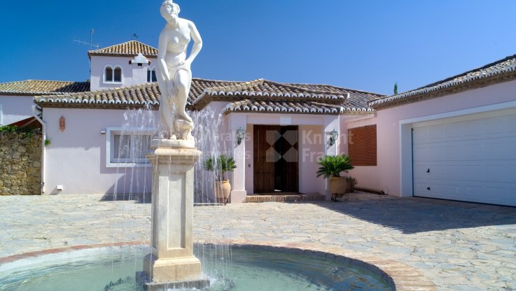 Impressive Residence in Cancelada - Villa for sale in Cancelada, Estepona