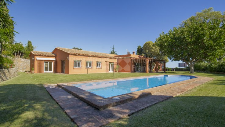 Fuente del Espanto, Beautiful Family Villa built on One Level