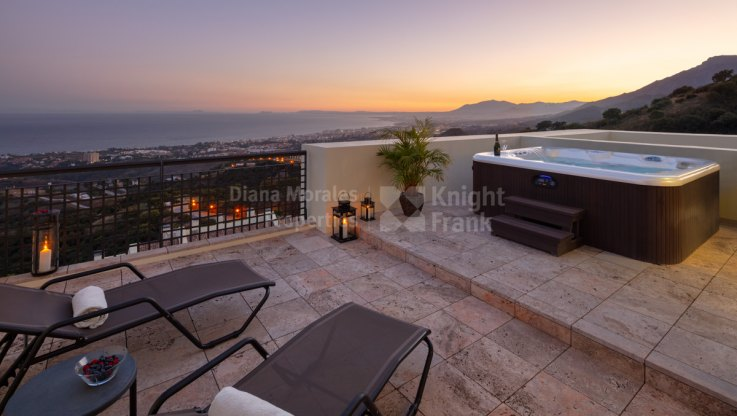 Los Altos de los Monteros, Duplex Penthouse With Fantastic Views of the Coast