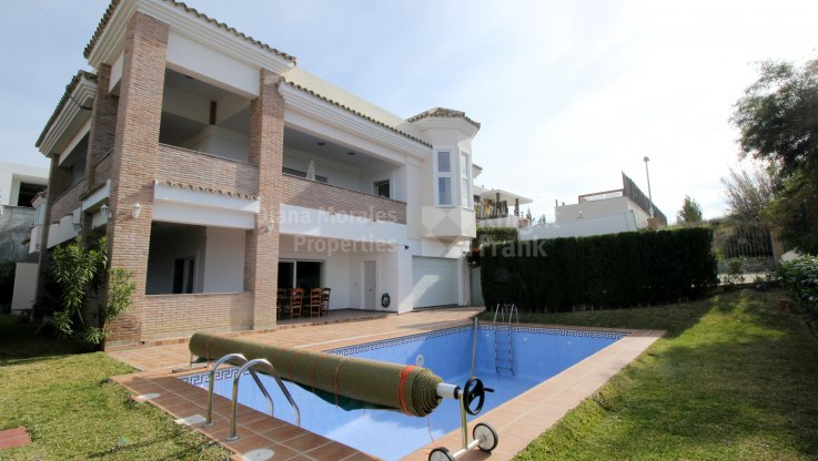 Villa with panoramic sea views - Villa for sale in La Alqueria, Benahavis