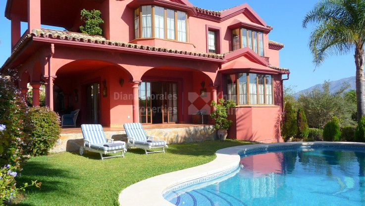 Guadalmina Alta, Quality family villa in quiet area