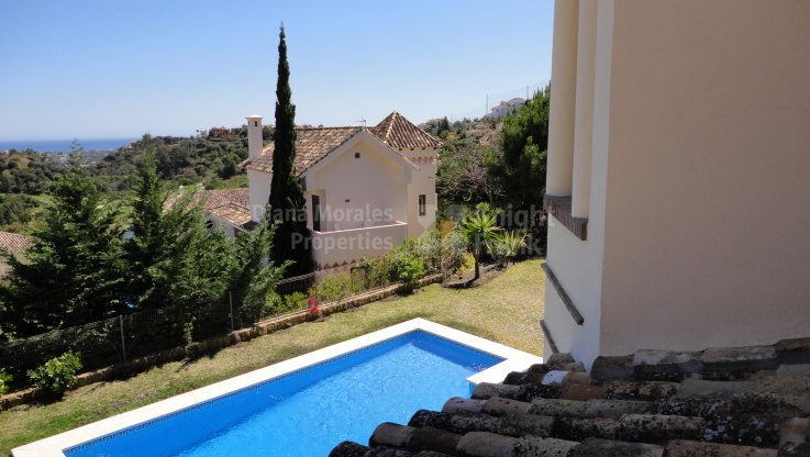 Elegant villa ready to move in - Villa for sale in Los Arqueros, Benahavis