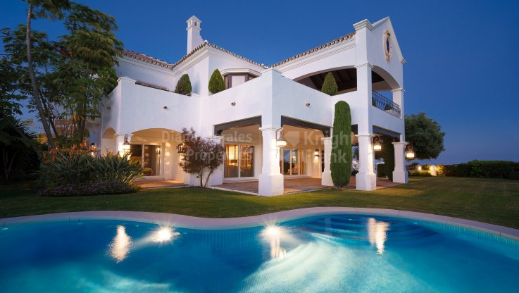 Villa with Excellent Qualities in Golf area - Villa for sale in Las lomas del Conde Luque, Benahavis