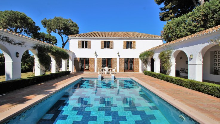Villa in Los Monteros beachside