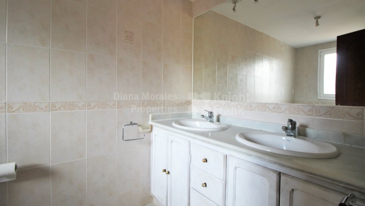 West facing townhouse in Marbella - Town House for sale in Las Cancelas, Marbella city