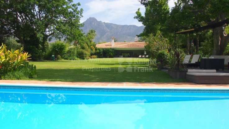 Marbella Golden Mile, Peaceful Villa for rent in the Golden Mile