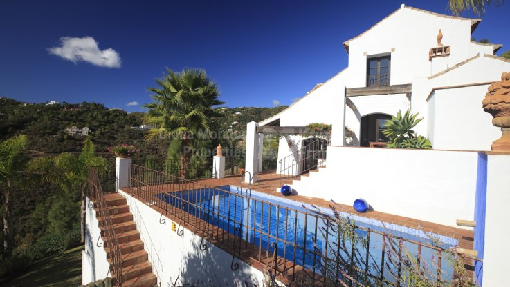 El Madroñal, Rustic Andalusian-Style Villa for Rent