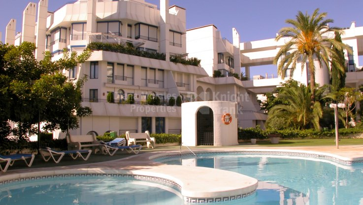 Convenient Duplex Penthouse Near Beach - Duplex for sale in Marbella Centro, Marbella city