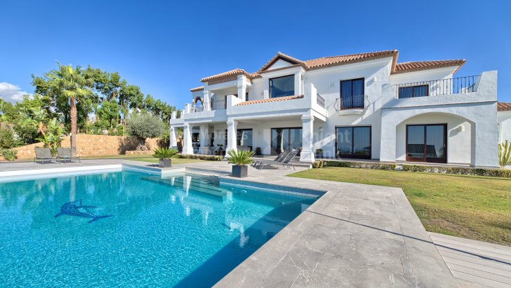 Top quality villa for sale in Los Flamingos Golf - Villa for sale in Los Flamingos Golf, Benahavis