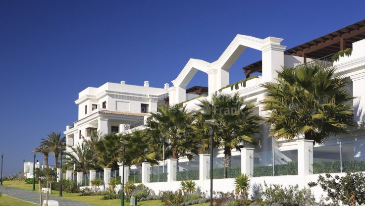 Ground floor in beachfront development - Ground Floor Apartment for sale in Estepona Playa, Estepona