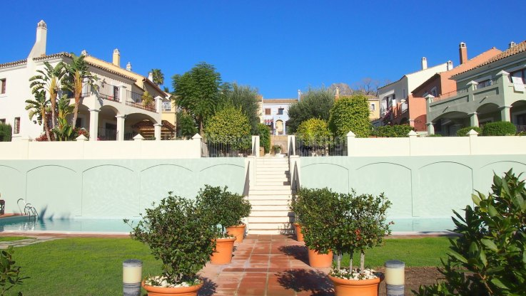 Townhouse in The Golden Mile - Town House for sale in Marbelah Pueblo, Marbella Golden Mile