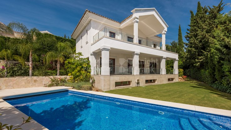 Brand New House in Prestigious Gated Community - Villa for sale in Cascada de Camojan, Marbella Golden Mile