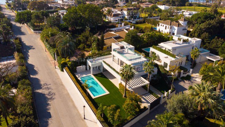 Casasola, Stylish contemporary Beachside Villa